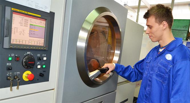 Mechatronicy imechanicy podsumowują praktyki zawodowe