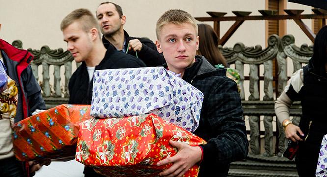 Świąteczne dary dla hospicjum