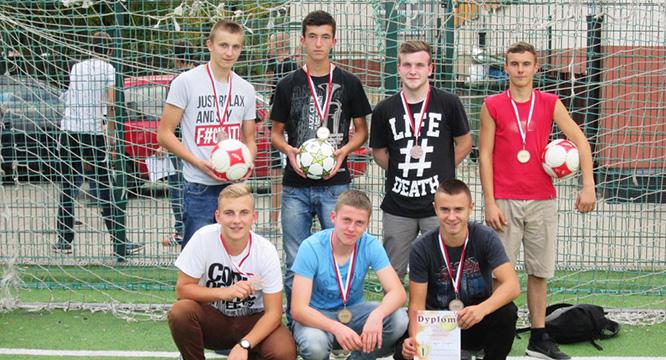 Sukces młodzieży OHP wWojewódzkim Turnieju Piłki Orlikowej