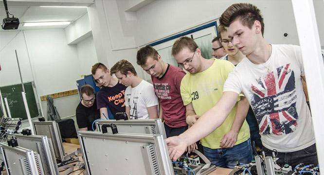 Technik mechatronik, technik mechanik itechnik elektryk – nauczyciele polecają!