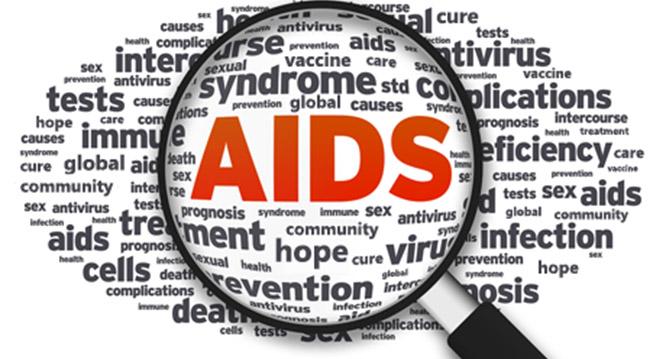 """Konkurs nakolaż fotograficzny: """"Żyj zrozwagą! AIDS tonie dla mnie!"""""""