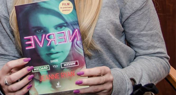 "Weronika Mendel poleca: ""Nerve"" – książka Jeanne Ryan"