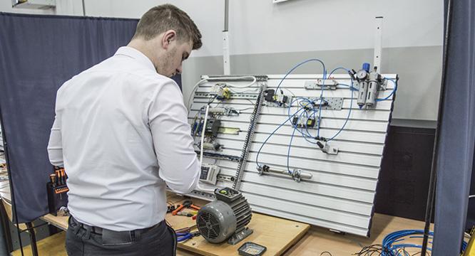 Technik mechatronik – egzamin zawodowy wkwalifikacji E.03