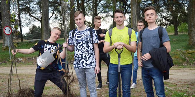 650 dębów na650-lecie nadania praw miejskich miastu Wieruszów