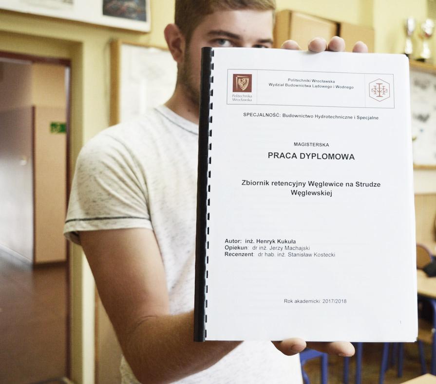 Mgrinż.Henryk Kukuła – zpracą magisterską dokolekcji mgrinż.Beaty Królikowskiej