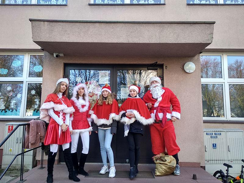 """Mikołajkowy Wolontariat  """"Klub Otwartych Serc"""" 2019"""