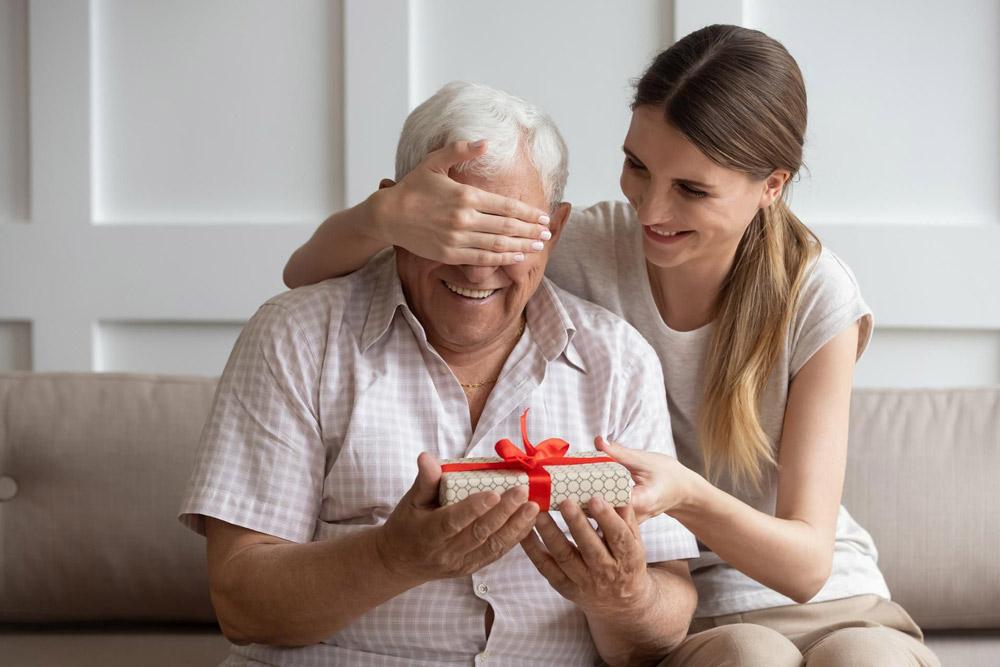 Dzień Babci 21 stycznia iDzień Dziadka 22 stycznia – pomóżcie Im wrejestracji naszczepienia przeciw Covid-19